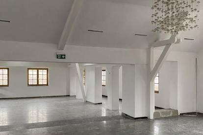 Sehr schönes Atelier, Praxis, Büro oder Kosmetikstudio in perfekter Lage mit guter Verkehrsanbindung