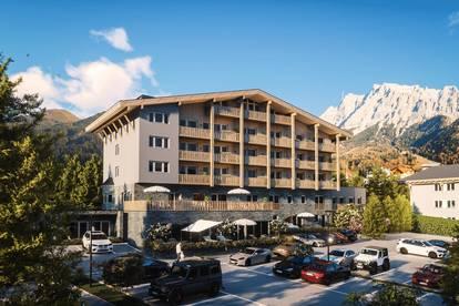 Moderne Wohnung mit Balkon und Ausblick auf die Zugspitze