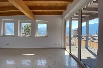 Herrliche Dachgeschosswohnung auf 170 m² mit Ausblick über die Stadt