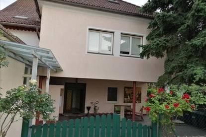 Von Privat: Helle gemütliche 2,5 Zimmer Wohnung in Klagenfurt Bestlage