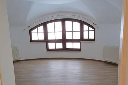 Neu renovierte, helle 3-Zimmerwohnung 85m2