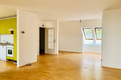 +++ WG-TRAUM +++ Charmante 4-Zimmer-Wohnung mit Extraküche in guter Lage
