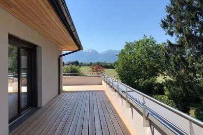 Hochwertige Penthouse-Wohnung mit 360°-Panorama-Blick und großer Terrasse