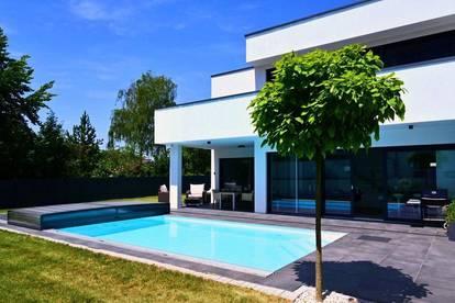 Neubau in Toplage und hochwertigster Ausstattung mit Pool