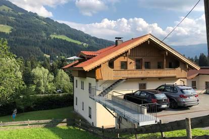 Schöne und helle 2,5-Zimmer Wohnung mit Balkon ab August frei!