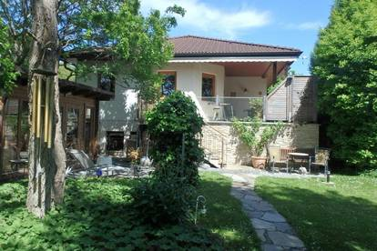 Einfamilienhaus mit idyllischem Garten - Stockerau