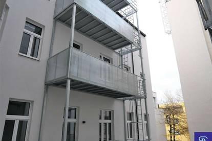 Erstbezug: 63m² Altbau + Balkon mit 3 Zimmern Nähe U3 Enkplatz!