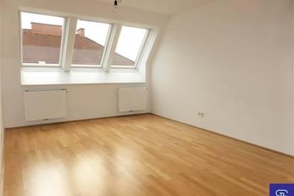 Stylische 51m² DG-Wohnung mit Einbauküche - 1020 Wien