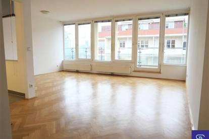 Sonnige 52m² Wohnung + 7m² Terrasse mit Einbauküche in Top City-Lage!