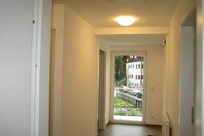 Hochwertige 3Zi-Wohnung(OG) mit Balkon