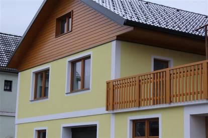 Wunderschone-geräumige Familienwohnung im Grünen mit Terrasse