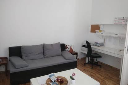 Möblierte perfekt aufgeteilte kleine Wohnung