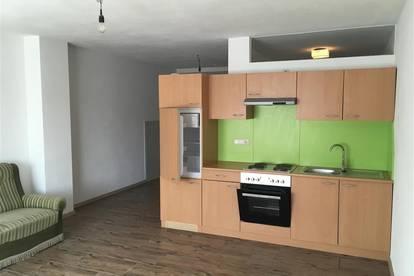 Preisgünstige, teilmöblierte Kleinwohnung, ca. 40m²