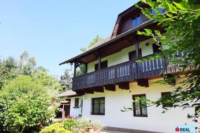 Landhaus im Kärntner Stil mit schönem Grundstück am Millstätter See