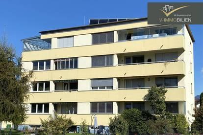 sonnige 4,5 Zimmer Wohnung mit Balkon