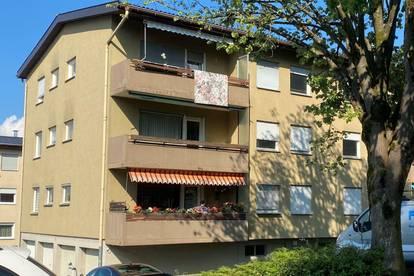 grenznahe - sanierungsbedürftige 3,5 Zimmer Wohnung mit Balkon & Garage