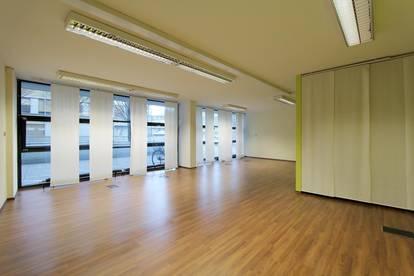 Moderne Räumlichkeiten für Büro, Ordination, Therapie, Ausstellung   1a Lage Salzburg-Riedenburg   Parkplatz