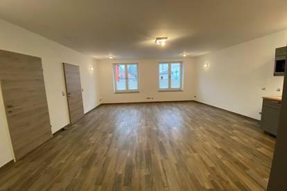 Schöne helle Wohnung für Single oder Pärchen