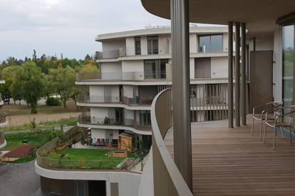 Schöne helle 2-Zimmerwohnung mit großem Balkon, Gym, Sauna und Garagenplatz in bester Grünruhelage