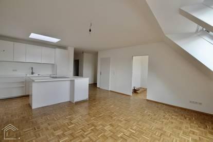 Moderne DG Wohnung in ruhiger Lage, eigener Garten inklusive