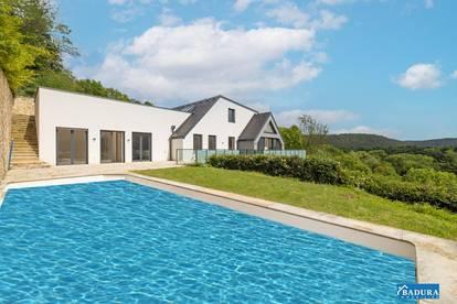Penthouse mit Garten und Pool
