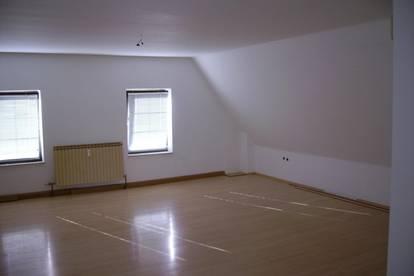 Penthouse Wohnung oder Büro 56 oder 82m² Toplage zu vermieten