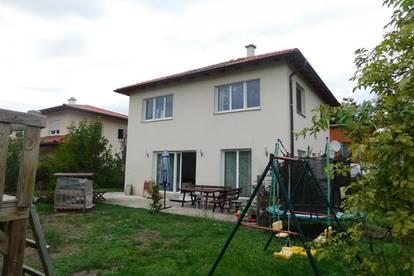 Einfamilienhaus in Himberg mit Garten - Zentrumslage