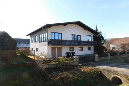 Einfamilienhaus mit zusätzlichem Grundstück