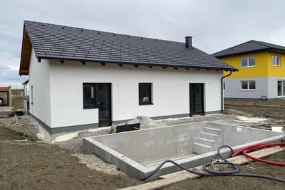 Pixendorf - Bungalow mit Pool