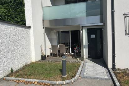 Moderne EG-Wohnung mit Terrasse im Zentrum