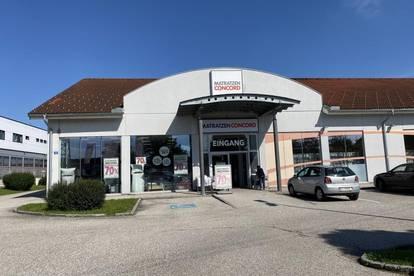 Geschäftsfläche mit Schaufensterfront in Fachmarktzentrum von Ansfelden zu vermieten!