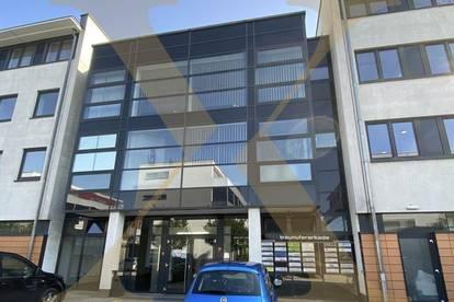 Erweiterbare 365 m² große Büro-/Praxisflächen im Ärztezentrum Wels/Thalheim zu vermieten!