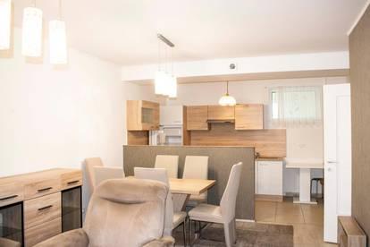 Schöne 3-Zimmer-Wohnung mit Balkon und PKW- Stellplatz im 1. Liftstock