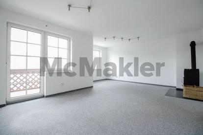 Schönes Maisonetteflair: 4-Zimmer-Wohnung mit neuwertigem Bad inkl. FBH, Loggia und Stellplatz