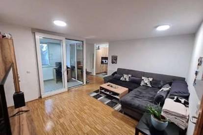 *Eigentumswohnung/Anlegerwohnung* Provisionsfreie schöne 2 ZI - Wohnung inkl. Parkplatz, Loggia u. Kellerabteil*