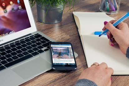++ Honorarfrei ++ Top-Zentrumslage ++ Glasfront ++ Perfekt für Büro, Kosmetik, ... usw. ++ Adaptierung nach Wunsch ++