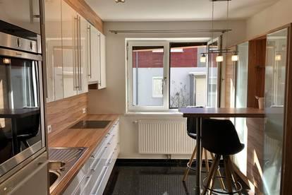 ++ Auf Wolke 7 mit dieser Traum Wohnung ++ idyllischer Wintergarten ++ höchst exklusive Ausstattung ++ Schwedenofen ++ moderne angefertigte Küche ++ Garage ++