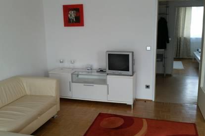 Großzügige 2- Zimmer Wohnung in Wetzelsdorf mit Balkon und TG-Platz!!!