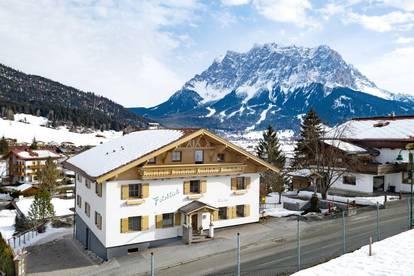 Eine Dame in Tirol