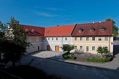 Maisonette Wohnung in wunderschönem historischen Gebäude ab sofort zu vermieten