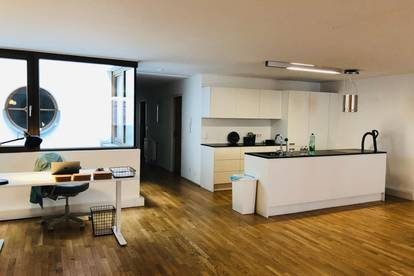 Büroraum im 145 m2 großen Altstadtbüro