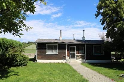 Einsiedl: Einfamilienhaus in schöner Grünruhelage mit parkähnlichem Garten