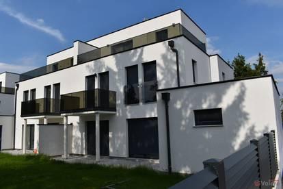 Leobersdorf: möblierte Doppelhaushälfte mit 5 Zimmern, Keller, Balkon, Abstellplatz
