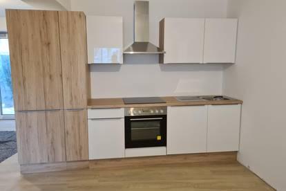 Generalsanierte helle Wohnung mit Klimaanlage Küche etc...