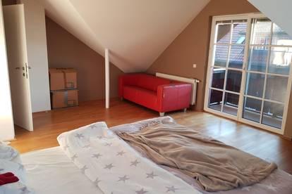 WALS - sonniges möbliertes WG-Zimmer 50qm, mit gr. Balkon und Carport jetzt zu vermieten um € 490,- mtl. (inkl. BK)