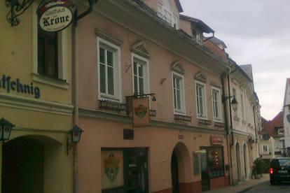 Dachgeschosswohnung am Hauptplatz in Feldkirchen zu vermieten