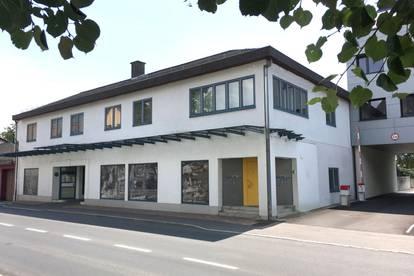 Innenstadt Wohnhaus/Geschäftsgebäude 2.787 m2 - Projekt mit genehmigter Ausbaumöglichkeit