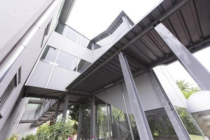 Renovierte 3 Zimmer Terrassen- Wohnung mit TG Parkplatz!