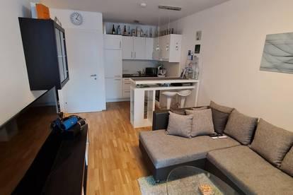 Großzügige 2 Zimmer Wohnung mit Terrasse und Grünfläche in hervorragender Lage | PROVISIONSFREI