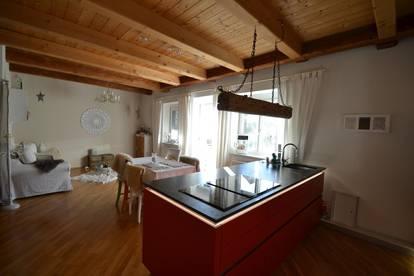 Wunderschöne Zwei-Etagenwohnung mit traumhaftem Ausblick
